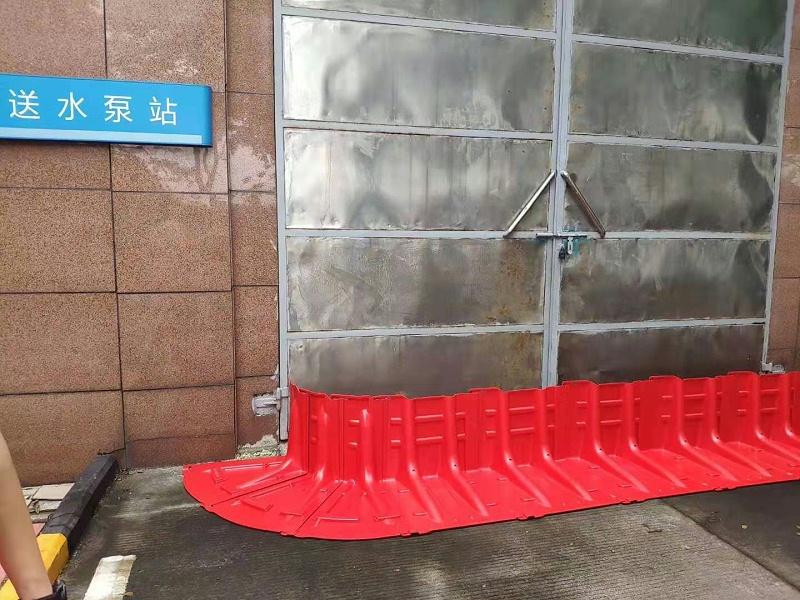 便携方便的防洪挡板可应用在地下室、车库等地