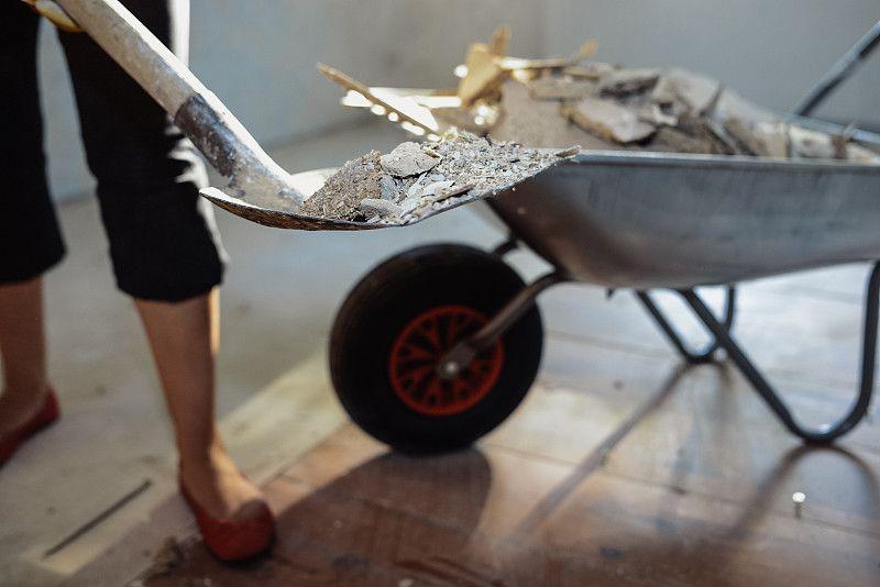 装修材料中的减水剂,若处理不当则产生大量甲醛
