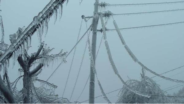输电线路覆冰严重-防覆冰措施要抓紧