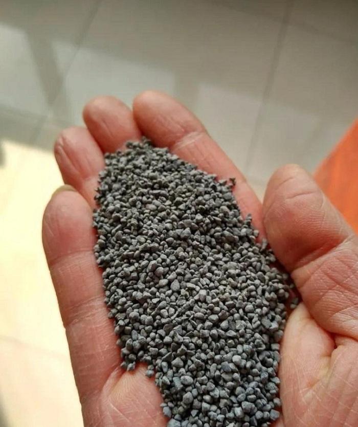 用来喷砂除锈的磨料(图片来源:青岛启航)