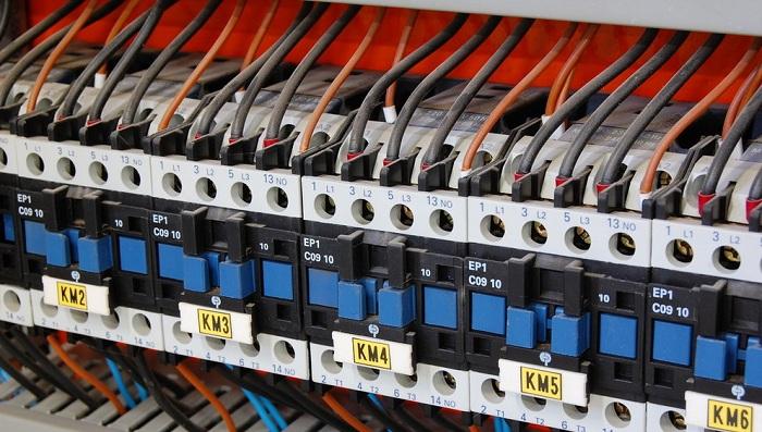 电气继电器、 断路器和镇流器