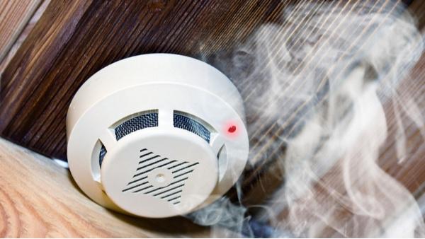 """防范于未""""燃"""" —— 是时候给家里装个烟雾报警器了!"""