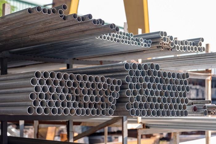 用钢制材料建制的船舶需要及时采取轮船防锈措施