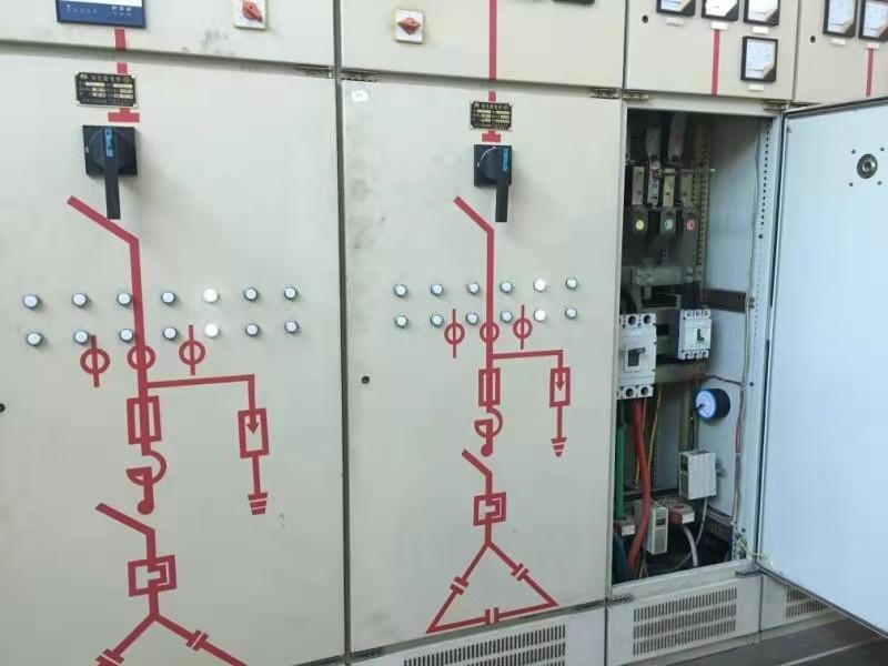 电力箱体柜体内部,安装热气溶胶灭火装置