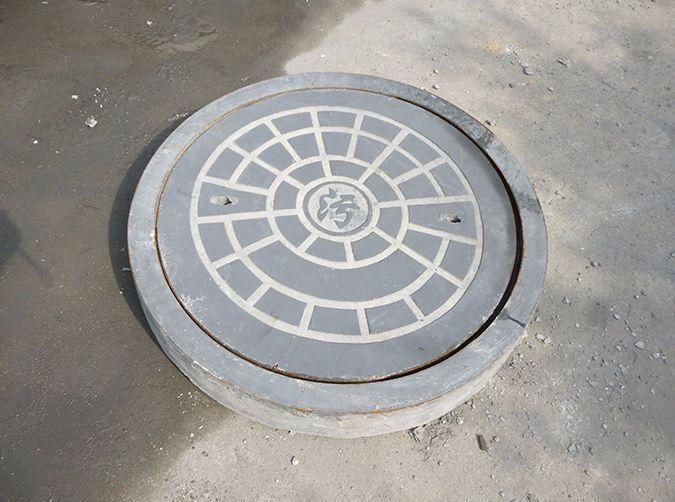 活性粉末混凝土制成的井盖