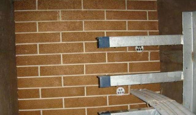 电缆从室外进入室内的入口处